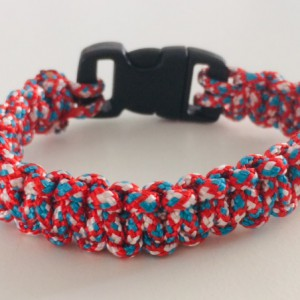 paracord armband met rood